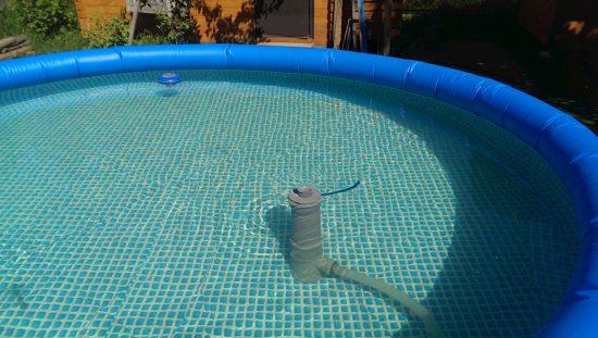 самодельный скиммер в бассейне